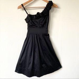 SPEECHLESS one shoulder dress